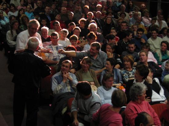 Parmi le Public